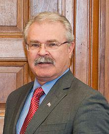 Gerry Ritz httpsuploadwikimediaorgwikipediacommonsthu