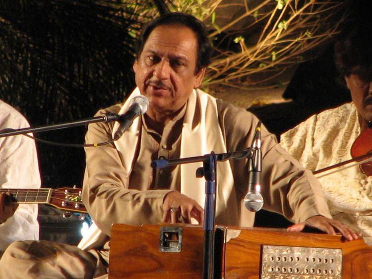 Ghulam Ali (singer) httpsuploadwikimediaorgwikipediacommonsbb