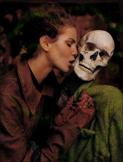 Giacomo Leopardi Dialogue Between Fashion and Death Vestoj