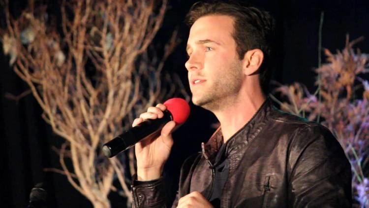 Gil McKinney DCcon 2014 Gil McKinney sings All of Me YouTube