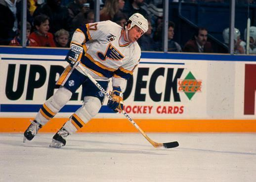 Gino Cavallini Gino Cavallini Helps Man Become A St Louis Blues Fan For