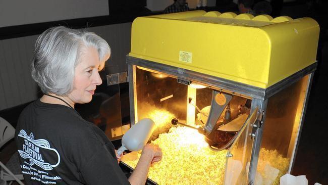 Glena (film) movie scenes Film festival crowd in Bel Air applauds showing of Glena