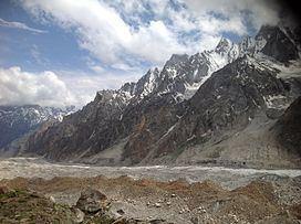 Gondogoro Glacier httpsuploadwikimediaorgwikipediacommonsthu