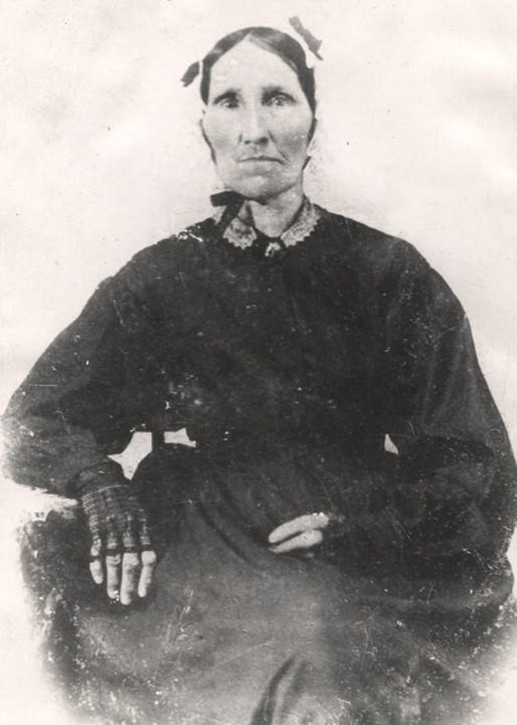 Goodee Montgomery Some historic photographs information of early 20th century Native