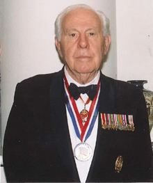 Gordon Bisson uploadwikimediaorgwikipediacommonsthumb00f