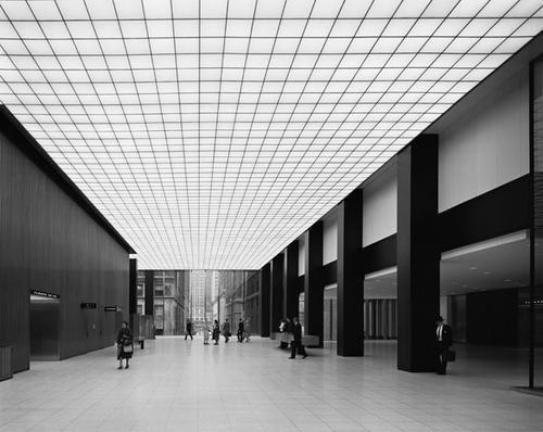 Gordon Bunshaft Beautiful interior of the JP Morgan Chase Manhatten tower by Gordon