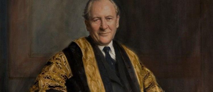 Gordon Hobday Sir Gordon Hobday 19162015 Campus News