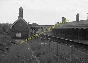Gorleston-on-Sea railway station iebayimgcomimagesgIeMAAOSwq7JT0Mbtsl300jpg