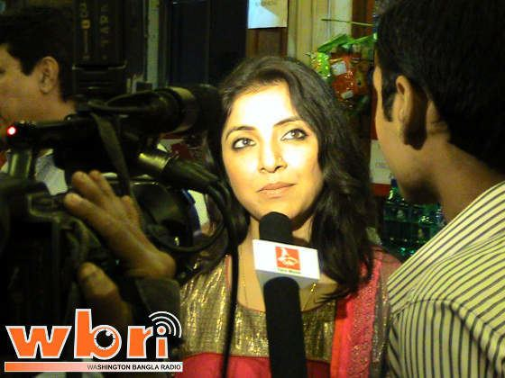 Gosainbaganer Bhoot movie scenes Actress Locket Chatterji at Gosai Baganer Bhut Bhoot 2011 Bengali Film Premiere
