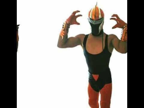 Máscara de Bronce Theme song mscara de bronce luchador AAA YouTube