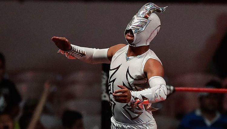 Máscara de Bronce Mscara de Bronce exige lucha contra Johnny Mundo RCORD