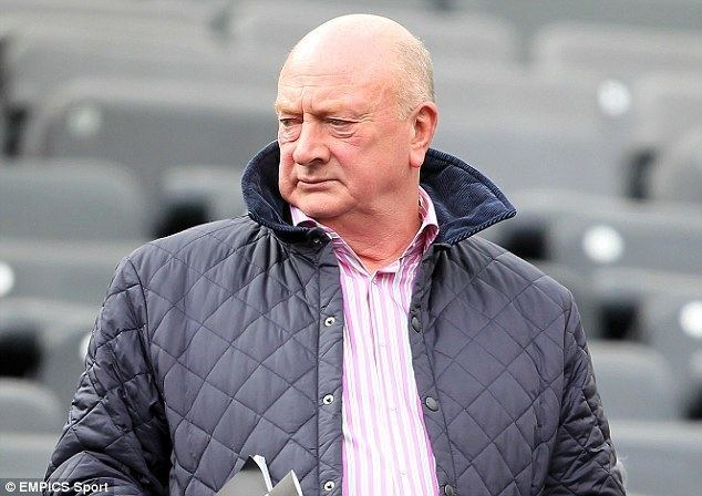 Graham Carr Graham Carr to stay at Newcastle for time being despite