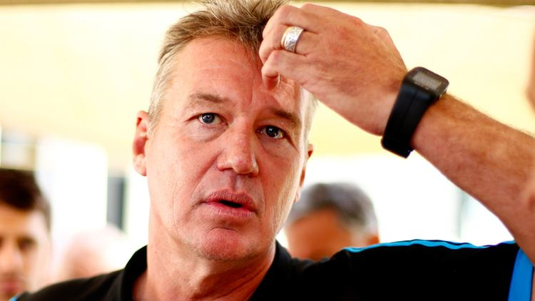 Graham Lowe Super Rugby Former league coach Graham Lowe calls for Sir