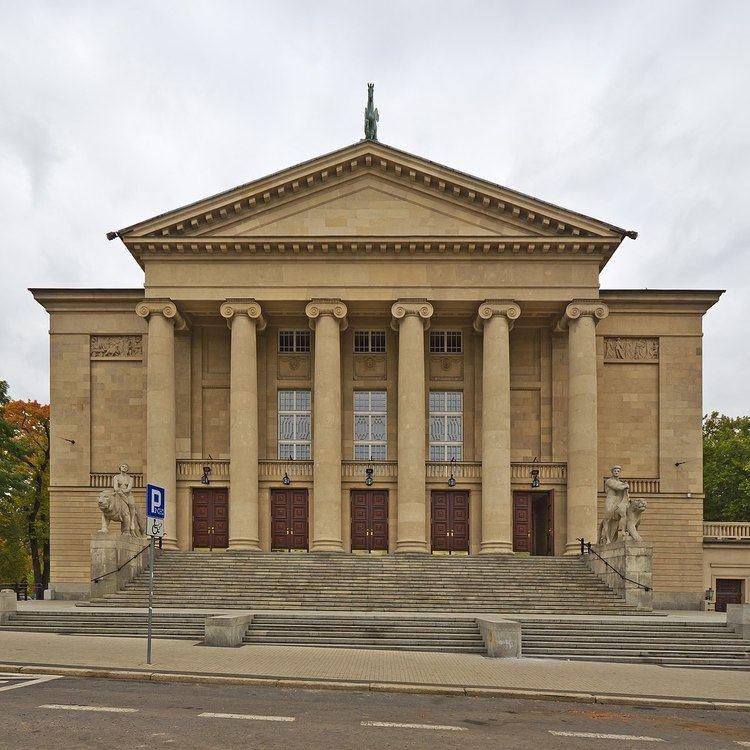 Address Fredry 9 60 101 Pozna Poland Similar Teatr Polski W Poznaniu Imperial Castle