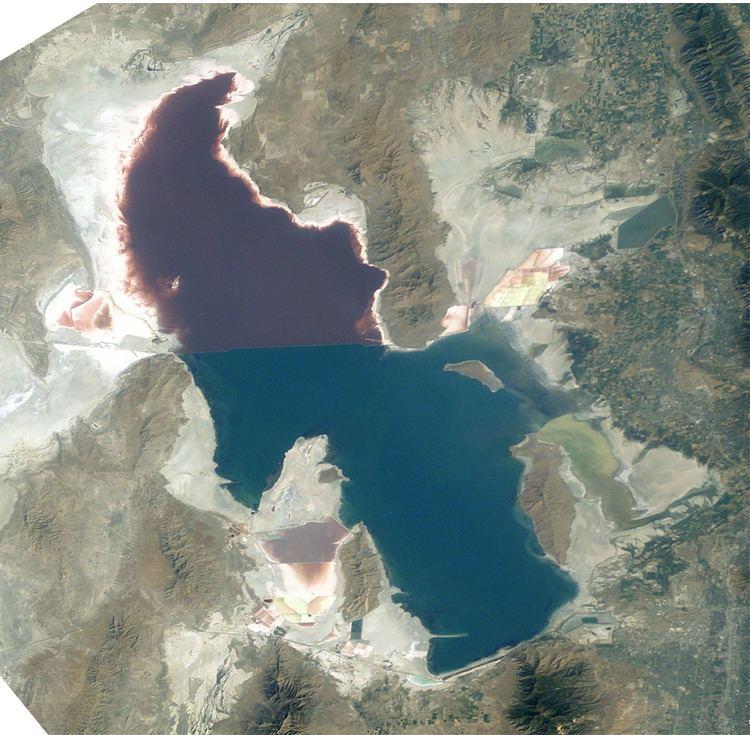 Great Salt Lake httpsuploadwikimediaorgwikipediacommons00