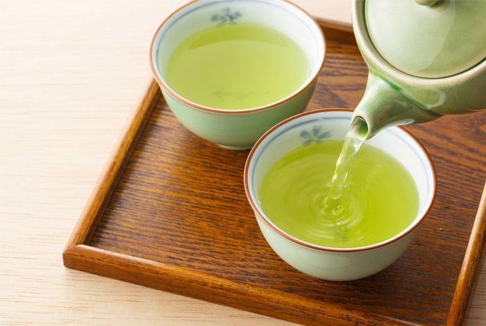 Green tea 11 Amazing Benefits of Green Tea The Healthiest Drink in the World