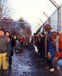 Greenham Common Women's Peace Camp httpsuploadwikimediaorgwikipediacommonsthu