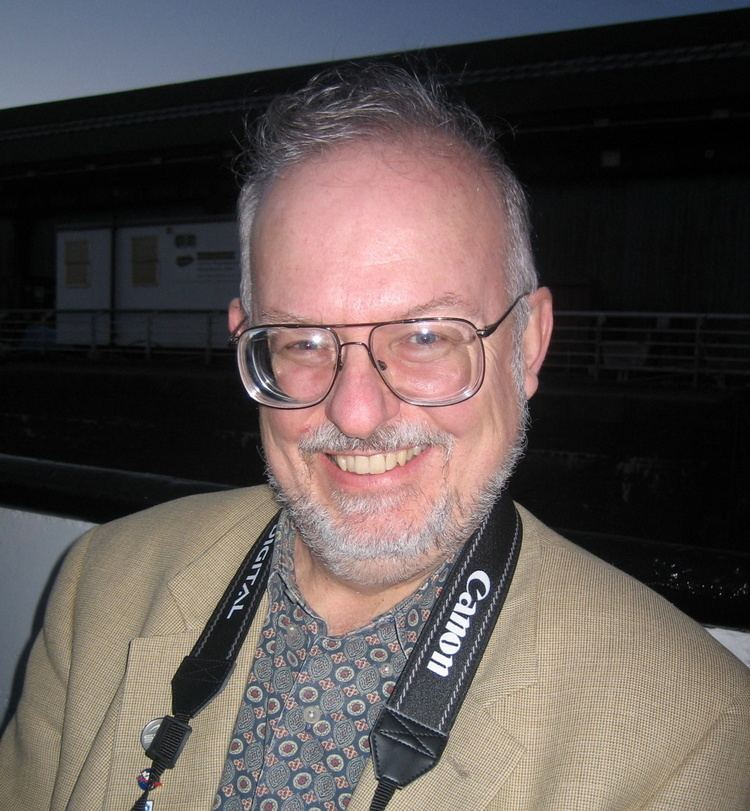 Greg Bear Greg Bear Wikipedia the free encyclopedia