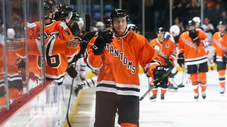 Greg Carey (ice hockey) Flyers resign LW Greg Carey