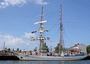 Greif (brigantine) httpsuploadwikimediaorgwikipediacommonsthu