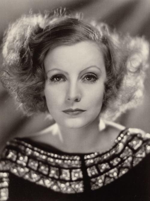 Greta Garbo httpsuploadwikimediaorgwikipediacommons55
