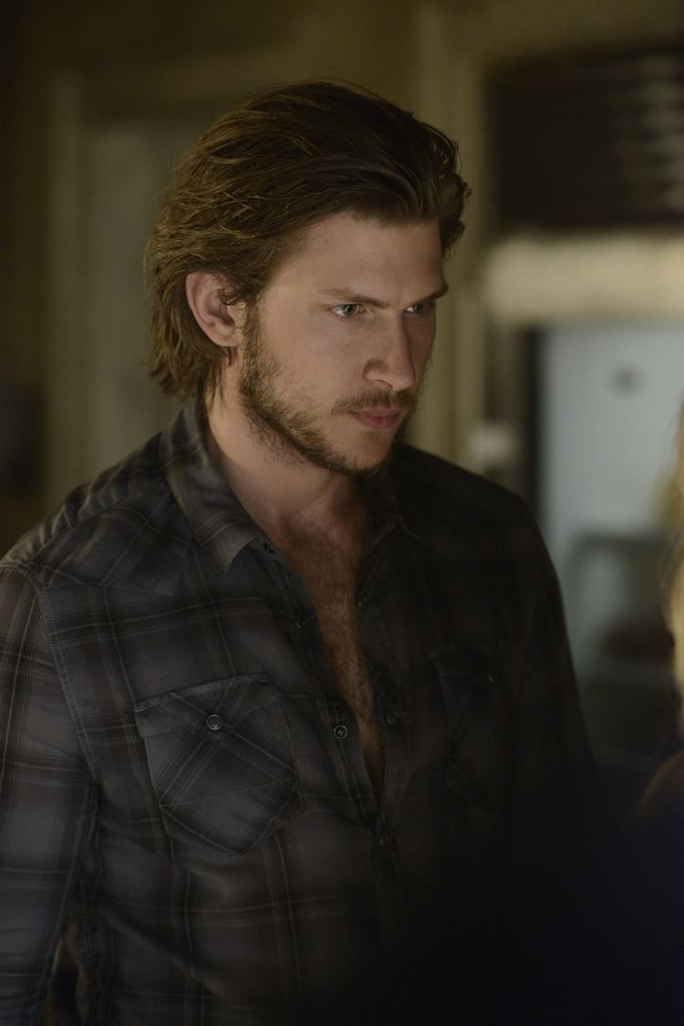 Greyston Holt Bitten Spoilers Images For Season 1 Episode 2 Prodigal