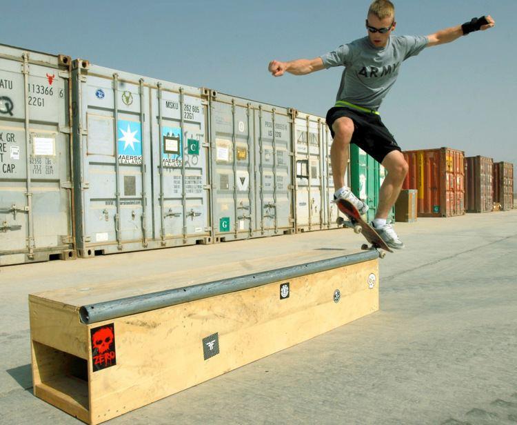 Grind (skateboarding) httpsuploadwikimediaorgwikipediacommons88