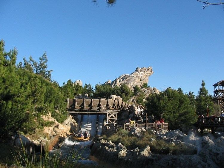 Grizzly River Run Grizzly River Run POV Ride Daytime Slow Motion Disney39s