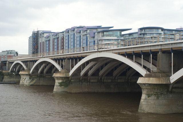 Grosvenor Bridge FileGrosvenor Bridge London geographorguk 1415020jpg