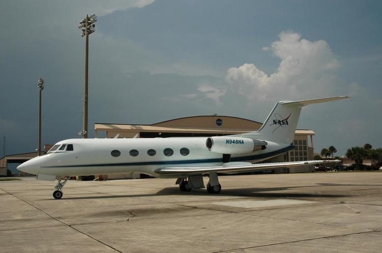 Grumman Gulfstream II httpsuploadwikimediaorgwikipediacommonsee