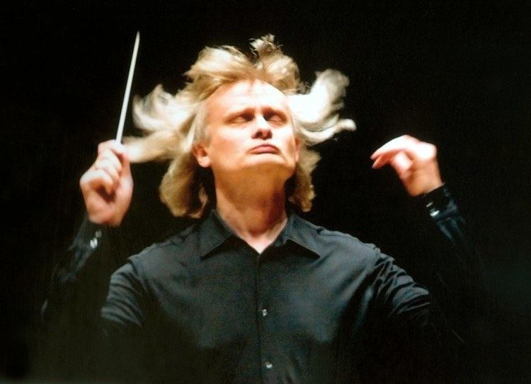 Grzegorz Nowak (conductor) Grzegorz Nowak Named Royal Philharmonic Orchestras Conductor for