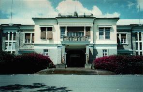 Guenete Leul Palace httpsc1staticflickrcom113242320277132d3bc