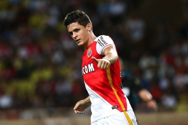 Guido Carrillo Guido Carrillo scores after TWO minutes of Champions