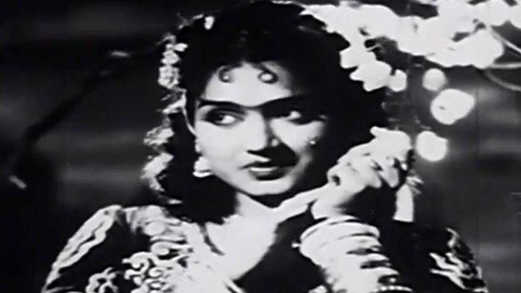 Gulebakavali (1955 film) Mayakkum Maalai Gulebakavali 1955 MGR TRajakumari Tamil