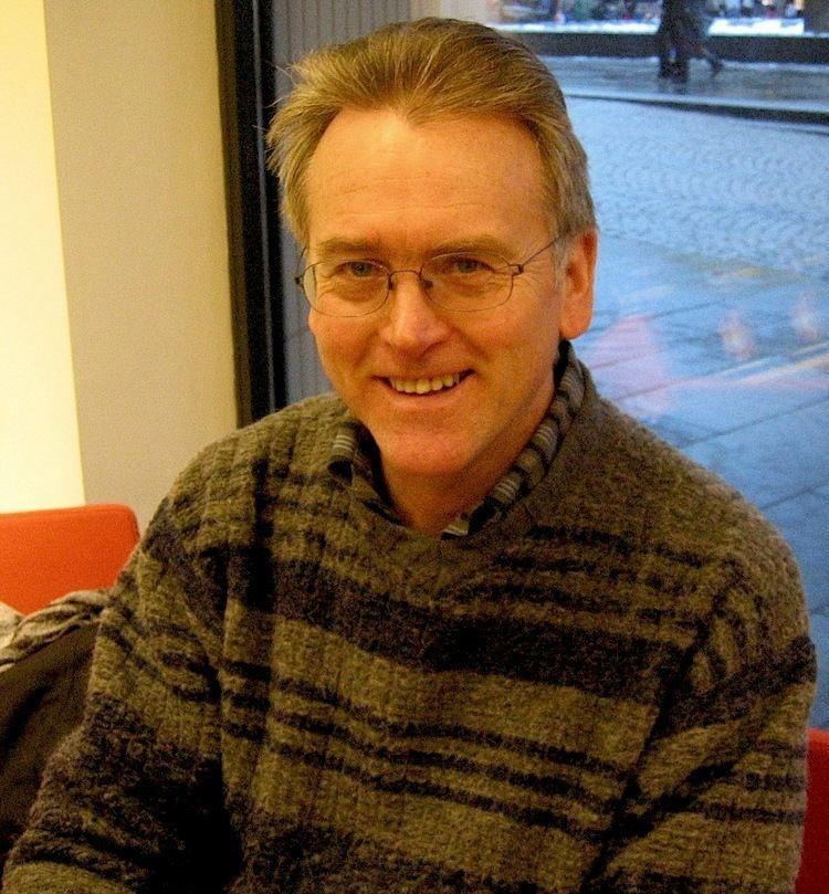 Gunnar Staalesen httpsuploadwikimediaorgwikipediacommonscc