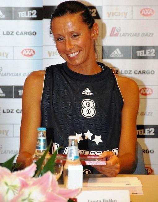 Gunta Baško Basketboliste Gunta Bako nedom precties ar jauno draugu FOTO