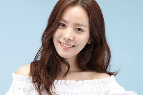 Ha Jee-min Han Ji Min Confirmed to Act Alongside Hyun Bin in quotHyde