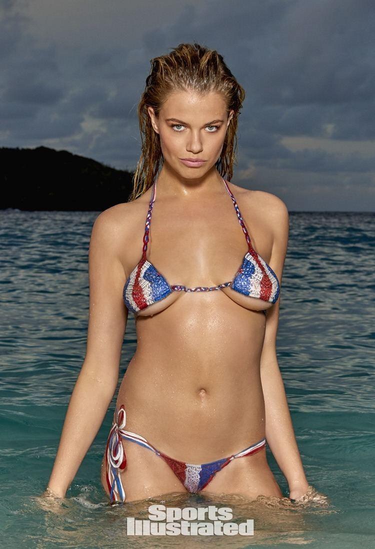Hailey Clauson Hailey Clauson Swimsuit Body Paint