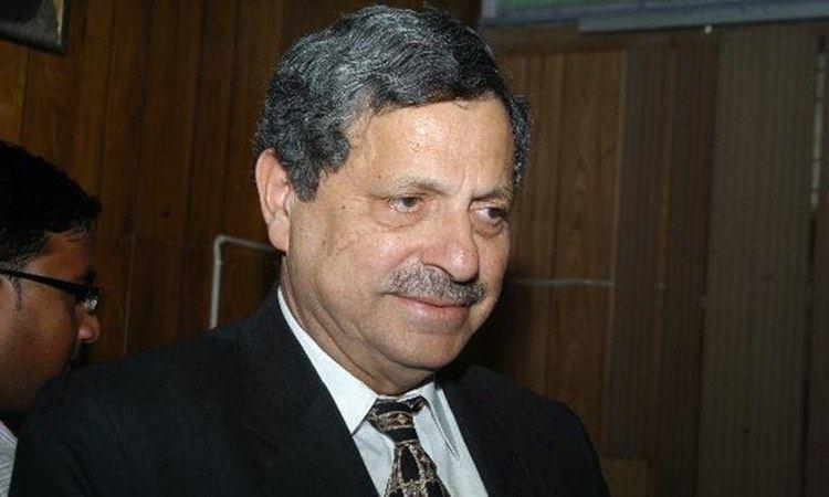 Hamid Khan (lawyer) Hamid criticises PTIs legal team Pakistan DAWNCOM