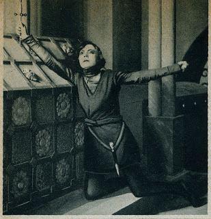 Hamlet (1921 film) Asta Nielsen as Hamlet thedivineones