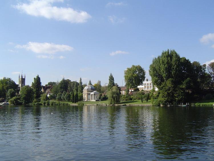 Hampton, London httpsuploadwikimediaorgwikipediacommonsaa