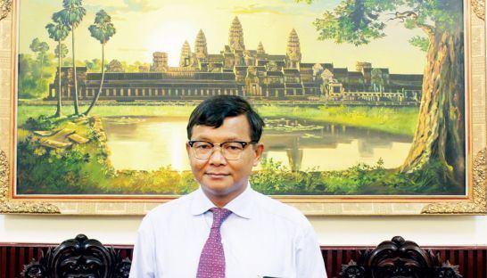 Hang Chuon Naron Will he make us smarter LIFT Phnom Penh Post