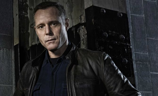 Hank Voight Chicago Fire39 And 39Chicago PD39 Spoilers Casey And Voight39s History