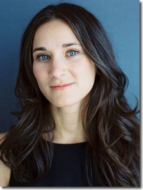 Hannah Moscovitch httpsperformancewikicaimagesbb9Hannahmosco