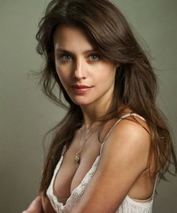 Hannah Ware Forget All Your Cares with the Lovely Hannah Ware Barnorama