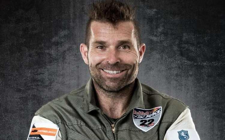 Hannes Arch Hannes Arch daredevil aerobatic pilot obituary