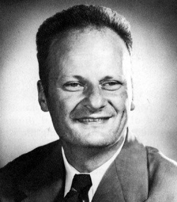 Hans Bethe Hans Bethe Photograph Biography atomicarchivecom