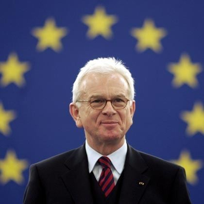 Hans-Gert Pöttering HansGert Pttering politician in poll public opinion online