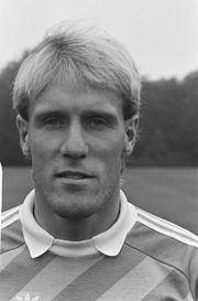 Hans van Breukelen httpsuploadwikimediaorgwikipediacommonsthu