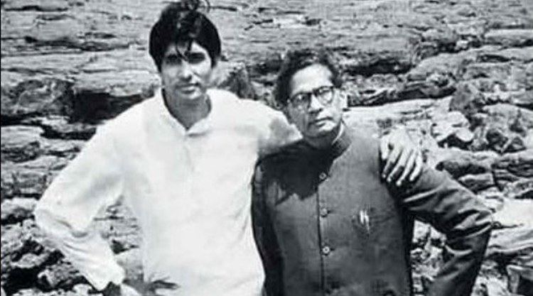 Harivansh Rai Bachchan Amitabh Bachchan wants to write about his father Harivansh